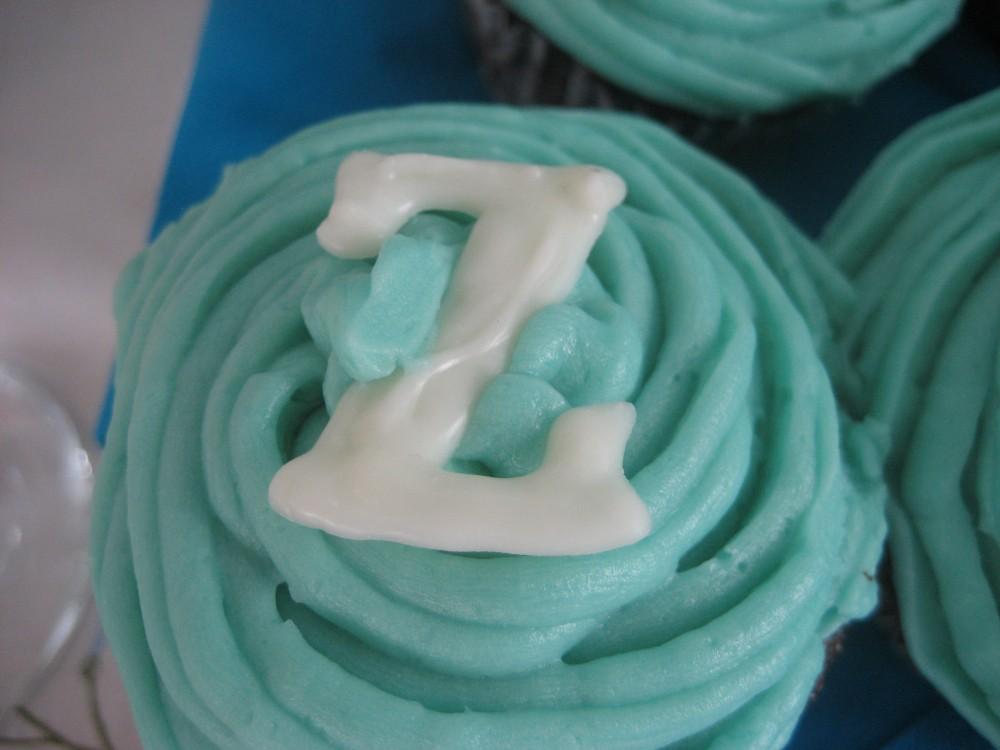 Little Cupcake, Big Cupcake (4/6)