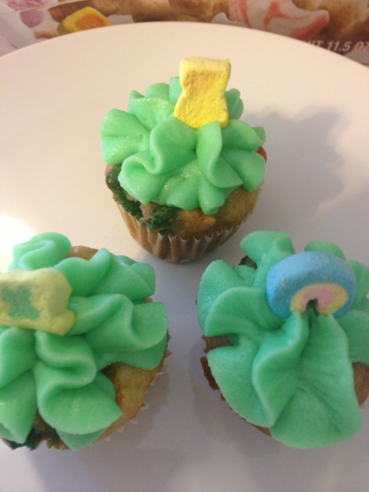 Lucky Charms Cupcakes: They're Magically Delicious (3/4)